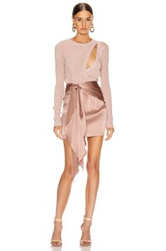Shop for Michelle Mason Asymmetrical Layered Sweater in Shell at FWRD. Free 2 day shipping and returns. Dress Outfits, Fashion Dresses, Cute Outfits, Fashion Clothes, Look Formal, Look Fashion, Womens Fashion, Paris Mode, Fashion Lookbook