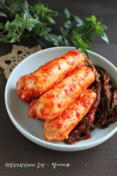 Korean Dishes, Korean Food, Kimchi, Aesthetic Food, Culinary Arts, Food Plating, Chicken Wings, Food And Drink, Meat
