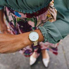 Die Schönheit und Unvergänglichkeit einer schlichten Uhr ist unbezahlbar. Gold, Pure Products, Watches, Clock, Clocks