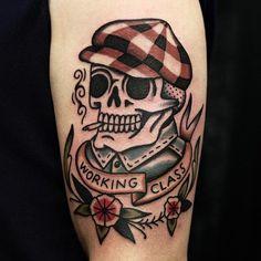 Tattoodo - Ruslan Tsvetnov's (IG—roosick) take on the proletariat. Love Life Tattoo, Life Tattoos, Body Art Tattoos, Traditional Tattoo Skull, Traditional Tattoo Old School, Traditional Tattoo Leg Sleeve, American Traditional Tattoos, Skeleton Tattoos, Skull Tattoos