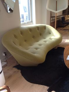 Ploum as seen at Heals London, a design for Ligne Roset by the Bouroullec brothers and very comfortable. Sourcing a sofa? Get in touch, www.yasminchopin.com White Dining Table, Interior Architecture, Interior Design, Ligne Roset, Tub Chair, Bean Bag Chair, Sofas, Family Room, Accent Chairs