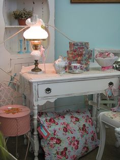shabby chic style by vintage nester, via Flickr