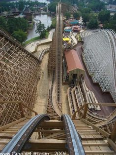 El Toro - Six Flags Great Adventure (Jackson, New Jersey, United States) Six Flags Great Adventure, Greatest Adventure, Cool Coasters, Roller Coasters, Wooden Coasters, Beautiful Places To Visit, Places To See, Kings Island, Amusement Park Rides