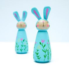 Spring Easter Bunny Ornaments by Hofficraft Pinecone Crafts Kids, Spool Crafts, Pine Cone Crafts, Crafts For Kids, Diy Crafts, Wood Peg Dolls, Clothespin Dolls, Bunny Crafts, Easter Crafts