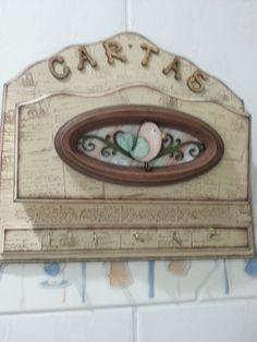 Porta cartas e chaves, todo trabalhado com tema de pássaro em pintura country.
