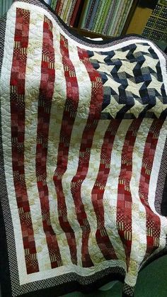 Flag quilt.  Interesting pattern for charity quilt.
