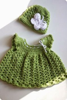 Free Crochet Set Pattern - Everything For Babies Crochet Bebe, Baby Girl Crochet, Crochet Baby Clothes, Crochet For Kids, Knit Crochet, Crochet Dresses, Crochet Baby Outfits, Crochet Children, Crotchet