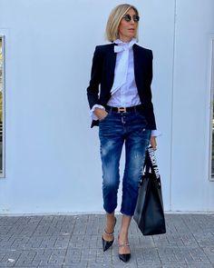 "SUSI REJANO (@susirejano) posted on Instagram: ""Ni contigo ni sin ti"" • Oct 10, 2020 at 5:23pm UTC 40s Outfits, Casual Outfits, Cute Outfits, Fashion Outfits, 50 Fashion, Daily Fashion, Womens Fashion, Mode Ab 50, Denim Outfit"