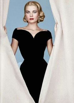 Happy Birthday to the eternally elegant Grace Kelly November 12, 1929 ~ September 14, 1982 (age 52)