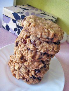Skvělé šťavnaté a sušenky z ovesných vloček, javorového sirupu a rozinek. Na svačinu, snídani či jen | Veganotic