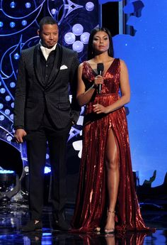 Terence and Taraji on stage at Empire's Christmas show. Stunning Women, Black Is Beautiful, Famous African Americans, Taraji P Henson, Celebrity Look, Celebs, Celebrities, I Dress, Fashion Outfits