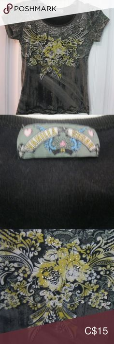 Vanilla Sugar T Shirt Studs on Flower Soft Brand: Vanilla Sugar Size: S T shirt with studs on the flower, super soft. Vanilla Sugar, Plus Fashion, Fashion Tips, Fashion Trends, T Shirts, Studs, Label, Flower, Sleeve