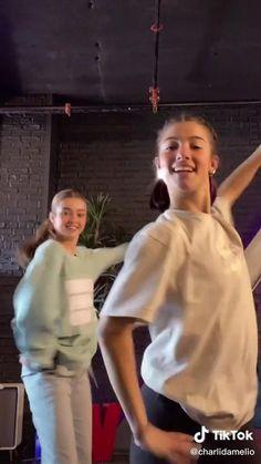 Dance Moms Videos, Dance Music Videos, Dance Choreography Videos, Dance Moms Girls, Cool Dance Moves, Charlie Video, Rare Videos, Crazy Funny Videos, Influencer