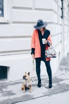 Modern fashionable women choose coral cardigan because fashion recommends you to be feminine and mysterious. Find out right now what to wear a coral cardigan with! Coral Cardigan, Oversized Cardigan, Knit Cardigan, A Boutique, Fashion Boutique, Mocca, Dark Shades, White T, Trends