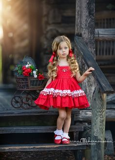 Beautiful baby girl in her stunning red dress Cute Little Girl Dresses, Dresses Kids Girl, Little Girl Outfits, Little Girl Fashion, Cute Little Girls, Fashion Kids, Kids Outfits, Flower Girl Dresses, Little Girl Christmas Dresses