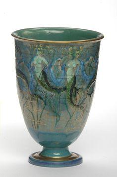 "Vase '' Sirènes '' Auguste Heiligenstein céramiste et Odette Chatrousse-Heiligenstein céramiste ; Paris, 1930 (vers) Faïence émaillée, fond "" or reculé """