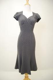 1940s dress. So flattering...
