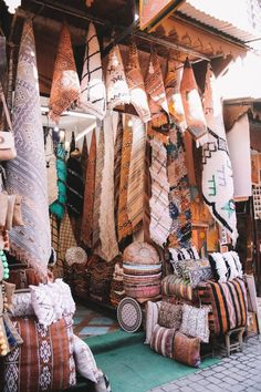 20 Photos To Inspire You To Visit Marrakech, Morocco - Eatlivetraveldrink Marrakech Travel, Morocco Travel, Marrakech Morocco, Africa Travel, Morocco Tourism, Places To Travel, Travel Destinations, Le Riad, Equador