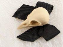 Bird Skull Cameo Schleifen Brosche Mini