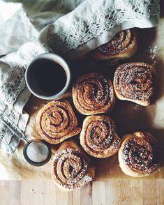 cinnamon buns aesthetic meg's oldfarmhouse est 2014 Oreo, Brunch, Yummy Food, Tasty, Aesthetic Food, Autumn Aesthetic, Fall Recipes, Pumpkin Spice, Love Food