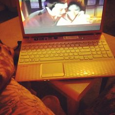 Nothing to do just watch a movie then haha  #schemes of a beauty #sonylaptop #mybaby  Nothing to do just watch a movie then haha  #schemes of a beauty #sonylaptop #mybaby