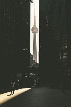 Toronto - Pinned by Mak Khalaf Street photographyTorontoCN by mitsuru_wakabayashi - Canada Travel Backpacking Canada, Canada Travel, Toronto Photography, City Photography, Area Urbana, Toronto Street, Toronto City, Cities, Vancouver