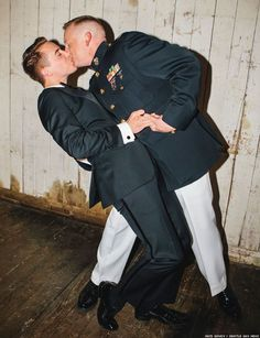 Marine Corps Captain Matthew Phelps Marries Ben Schock: Photos - Towleroad Gay News Wedding Channel, Cute Gay Couples, Lgbt Couples, Vintage Couples, Men Kissing, Foto Art, Military Men, Gay Art, Beautiful Love