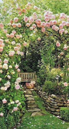 English Garden Design, Cottage Garden Design, Backyard Cottage, Country Cottage Garden, Country Houses, Country Garden Ideas, English Flower Garden, Country Patio, English Flowers