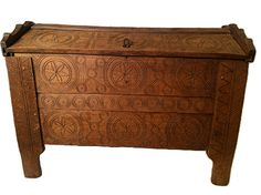 A beautiful clamped-front ark-lid chest