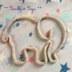 Eléphant en laine / Forme et prénom en tricotin - par Vanille et Vega