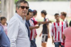 JORGE VERGARA PREPARA PROGRAMA EN CHIVAS TV El directivo confía en que se tendrá una transmisión histórica de los juegos, dónde todo será de primer nivel.