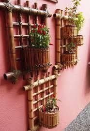 Resultado de imagem para VASO  PEDRAS BEIRA DE PISCINA Bamboo Trellis, Bamboo Planter, Bamboo Garden, Bamboo Fence, Garden Pots, Planters, Bamboo Cups, Bamboo Art, Bamboo Crafts