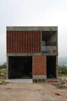 : Casas de estilo colonial por Apaloosa Estudio de Arquitectura y Diseño