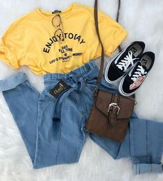 Fresh spring outfit ideas – Just Trendy Girls Fresh sprin. - Fresh spring outfit ideas – Just Trendy Girls Fresh spring outfit ideas – Just Trendy Girls Source by - Neue Outfits, Komplette Outfits, Teen Fashion Outfits, Cute Casual Outfits, Retro Outfits, Stylish Outfits, Spring Outfits, Vintage Outfits, Fresh Outfits