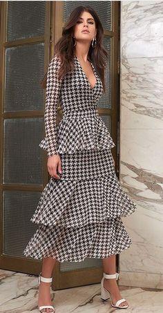 Abaya Fashion, Women's Fashion Dresses, Casual Dresses, I Dress, Wrap Dress, Western Outfits Women, Spanish Fashion, Classy Dress, Aesthetic Clothes