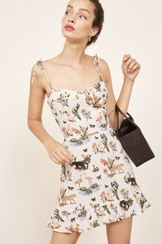 Porto Dress - Hot outfit, easy to assemble. This is a mini length, fit and flare dress with a sweetheart neckline, ruffle edged hem, and strap ties. Hot Outfits, Pretty Outfits, Summer Outfits, Fashion Outfits, Summer Dresses, Womens Fashion, Slow Fashion, Ethical Fashion, Vogue Fashion