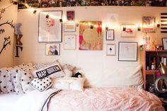 Pink + Gold Dorm Room. SPOTLIGHT: FRESHMAN DORM. DECOR TIPS AND TRICKS.