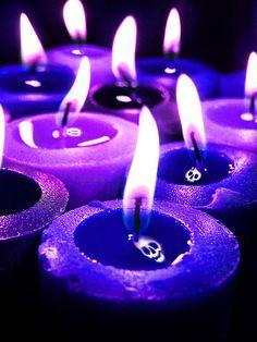Purple candles with a spooky flame Neon Purple, Purple Love, All Things Purple, Purple Rain, Shades Of Purple, Dark Purple Aesthetic, Violet Aesthetic, Lavender Aesthetic, Aesthetic Colors