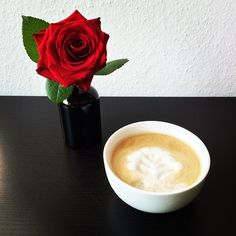 I love my Monday morning coffee! Wish you all a great start into the new week!  #instagood #instacoffee #instadaily #organic #coffee #cappuccino #latteart #monday #enjoying #life #happy #flower #red #rose #photo #kaffee #blumen #rot #foto