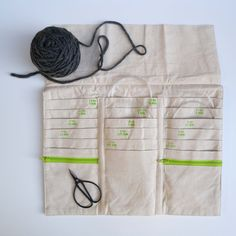 This tri-fold case will keep all your circular knitting needles organized and easily accessible. Made from beautiful, natural cotton, this case contains 18 pock