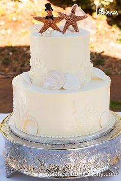 cute cake for beach wedding