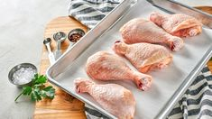 Should You Wash Meat Before Cooking or Freezing? Food Safety Guidelines, Citrus Juice, Food Poisoning, Fresh Meat, Food Staples, Eating Raw, Health Articles, Fruits And Veggies, Food Grade
