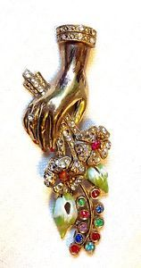 VTG 1940 CORO ADOLPH KATZ PATENTED FIGURAL HAND FLOWER BOUQUET RHINESTONE BROOCH