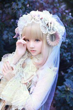 Kiyohari ♡ She looks like a doll o.o
