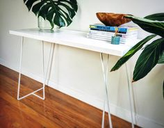 Console table / Hall table / White table / White futniture by FabianaLoschi on Etsy Hall Console Table, Pine Timber, Contemporary Interior Design, Cat Furniture, Minimalist Home, Office Decor, Cat Grass, Cat Scratcher, Cat Supplies