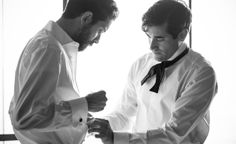 groom and groomsmen getting ready l http://eventsbyclassic.com