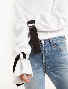 for when ur kinky af Belt Buckled Sleeve Tie Tee New Fashion, Spring Fashion, Womens Fashion, Look 2018, Donia, Trendy Tops For Women, Fashion Details, Fashion Design, Diy Clothes