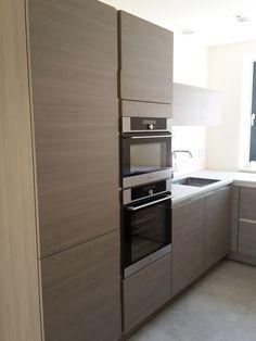 Hangout: Claire Coombes ● Pascal Janssen Wall Oven, Claire, Kitchen Appliances, Interior, House, Diy Kitchen Appliances, Home Appliances, Indoor, Home