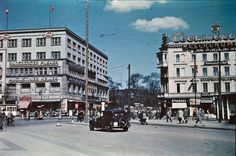 Here is a rare color photos of Berlin in 1937, taken by Thomas Neumann.