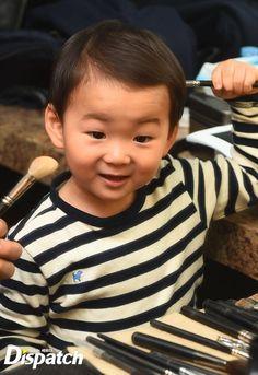 Minguk | KIA CF BTS Cute Kids, Cute Babies, Song Il Gook, Superman Kids, Man Se, Song Triplets, Song Daehan, Asian Babies, Baby Alive